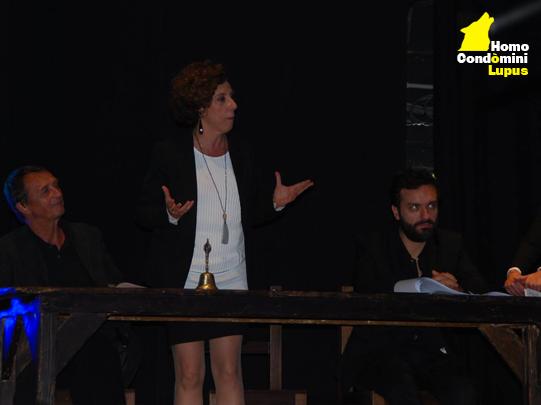 La compagnia Habitami di Homo Condòmini Lupus in scena al Teatro di Milano